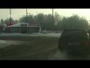 В Екатеринбурге гаишник помахал из окна фуражкой чтобы проехать на красный на личном авто