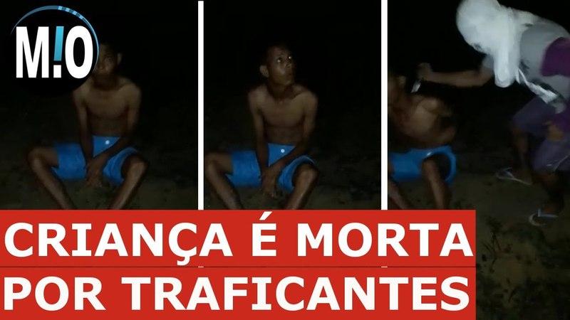VÍDEO CHOCANTE Traficantes ESFAQUEIAM CRIANÇA adolescente que brincava de RAIO Polícia e Ladrão