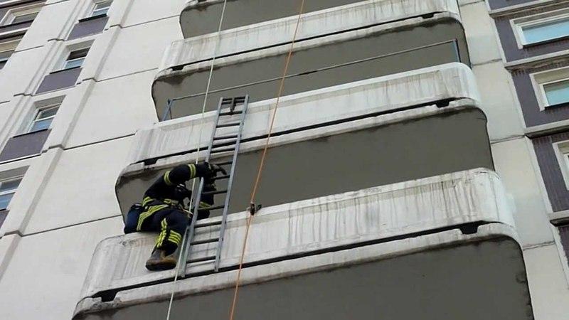 По штурмовке на 22 й этаж с заклеенными визорами масок