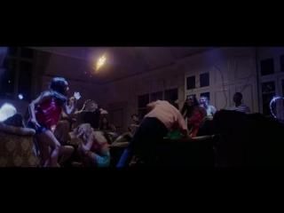 Отрывок из фильма +1 (Плюс один) 2013 / Вечеринка в разгаре - теннис огненным шаром