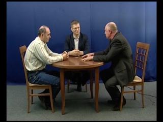 Словесная дуэль. Сегодня в студии ОТВ-Миасс встретились два политических оппонента, депутаты Валерий Фролов и Вячеслав Откин.