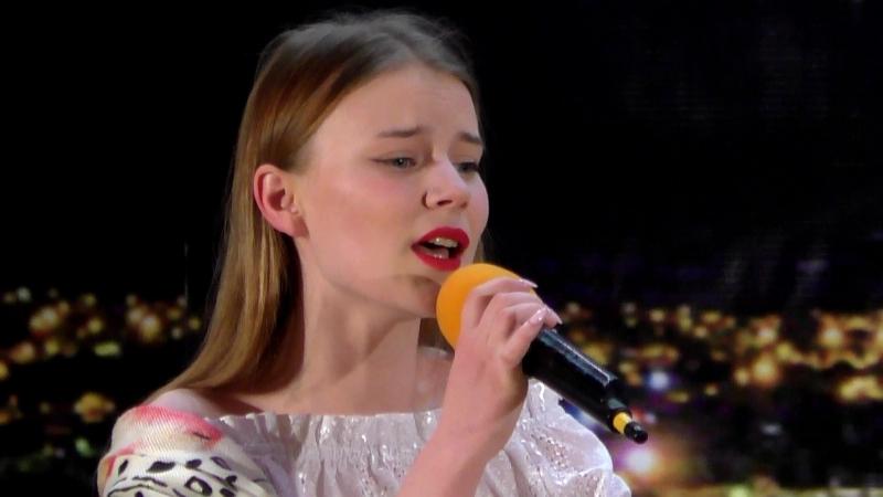 Ксения Логинова