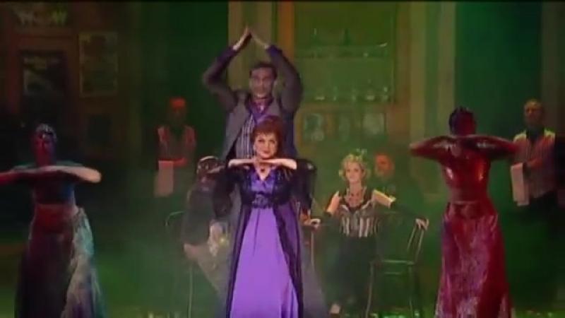 A Bajadér - Oszvald Marika Csere László - Egy jó kis bár (Budapesti Operettszinhaz 2009)