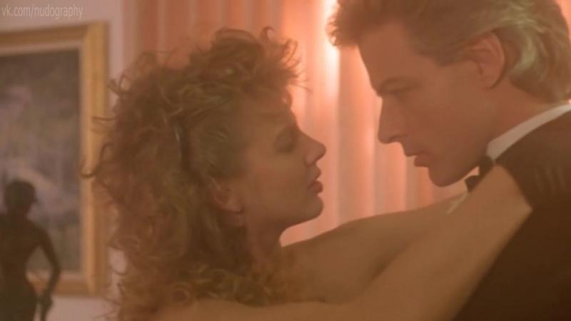Кэтлин Стивенс (Kathleen Stevens) в нижнем белье в фильме Академия ниндзя (Ninja Academy, 1988, Нико Масторакис)