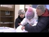 Голосуют победители конкурсов из Алексеевки