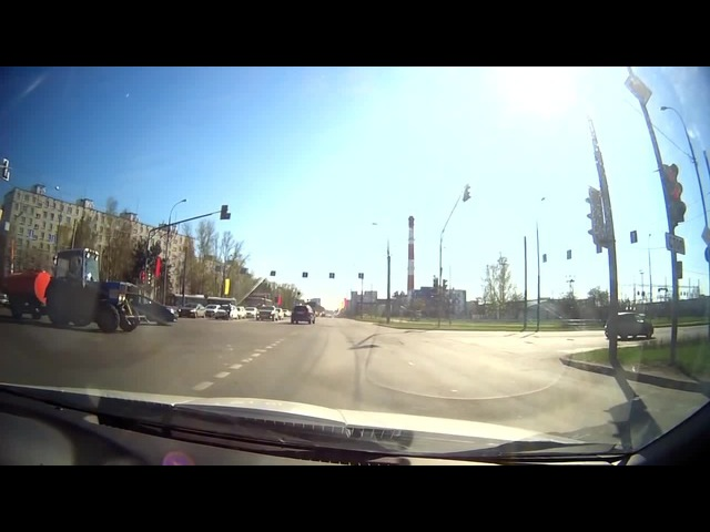 How you drive tractor in Russia · coub, коуб