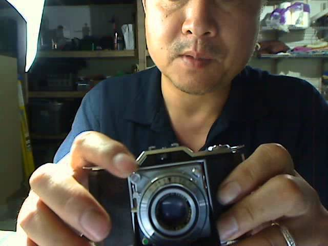 How to use Zeiss Ikonta 35mm folding camera model 522/24