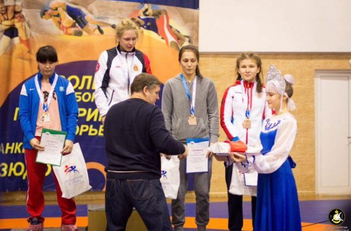 DL9WCGCy2R8 - Спортивные успехи Спортсменка из Беловского района Надежда Третьякова завоевала право