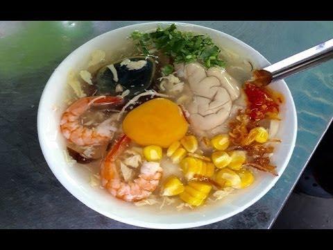 Vietnam Street Food - Crab pig's brain soup