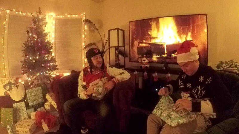 THE DRUM AND BASS YULE LOG ft THE MARTIN BROTHERS