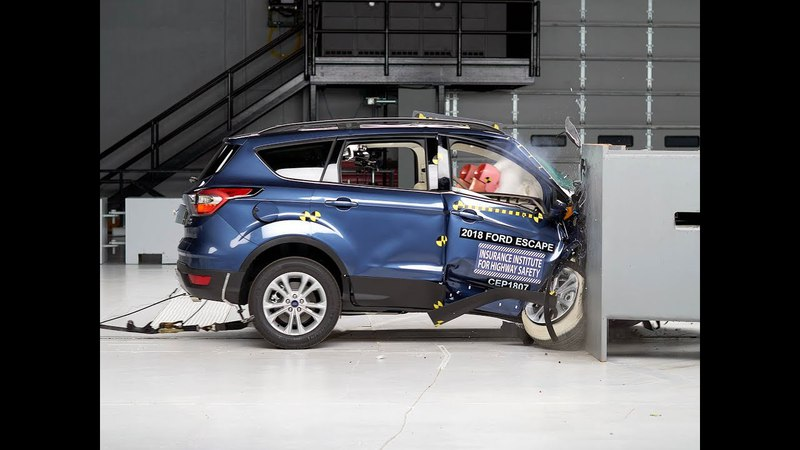 2018 Ford Escape passenger side small overlap IIHS crash test