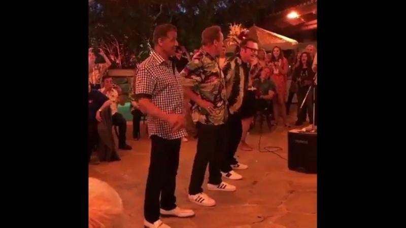 Видео с 70-летия Арни » Freewka.com - Смотреть онлайн в хорощем качестве