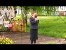 Стихотворение на Троицких гуляниях в Демьянове читает Екатерина Маркова