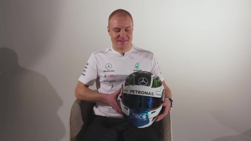 Валттери Боттас показал новую раскраску шлема