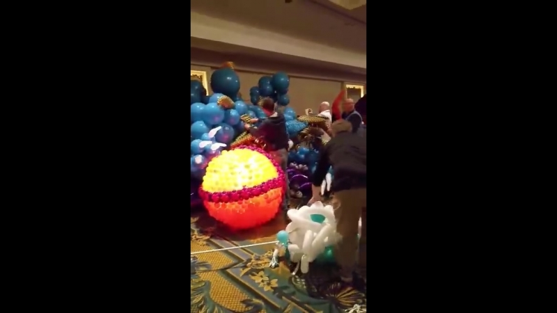 Balloon convention clean up
