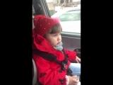 Маленькая девочка поёт Медуза ?