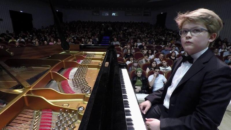 Beethoven L.V. Piano concerto №1 in C Major (op.15) by Pyotr Akulov and Volgograd Philharmonic