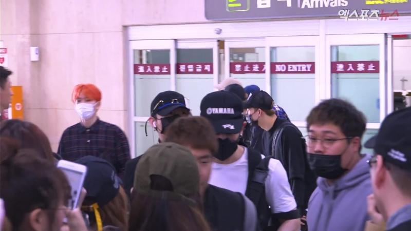 [VK][180416] MONSTA X at Gimpo Airport @ 엑스포츠뉴스