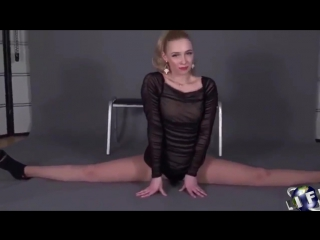 Beautiful flexible girl doing the splits