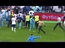 Бритоголовый фанат «Зенита» выбежал на поле и ударил по лицу Владимира Граната 11 05 2014