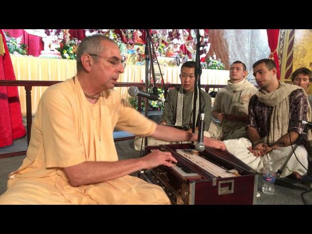 Niranjana Swami – Kirtan at Sadhu-sanga, Russia – 16-Sep-2017