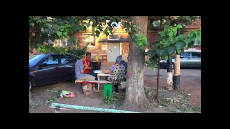 Дуэт блокфлейты и баяна. Музыкальный праздник для соседей. Игорь