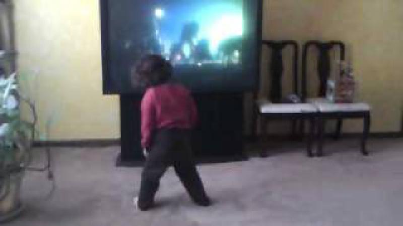 Michael Jackson Thriller baby dance