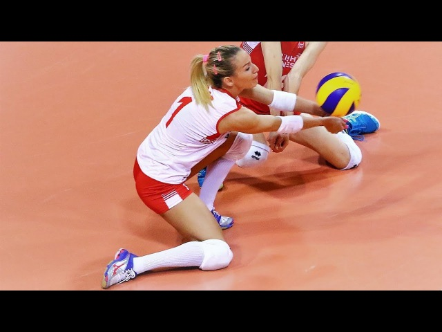 Top 10 BEST Volleyball DIGS by Gizem Orge (Hatice) - Libero from Turkey   EUROVOLLEY 2017