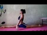 Yara twisting training flexibility and oversplits