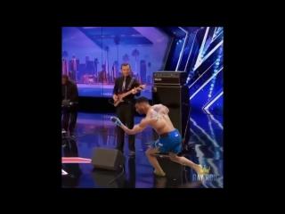 Танцующий кевин ли: новый микс.