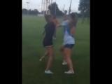 White Girl fight ... throwing punches like crazyy - YouTube