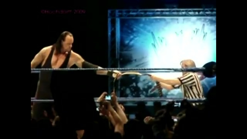 Undertaker Funny Momment With Referee Charles Robinson.