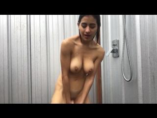 Hippy mia - outdoor dildo fucking shower squirt.... shhh!