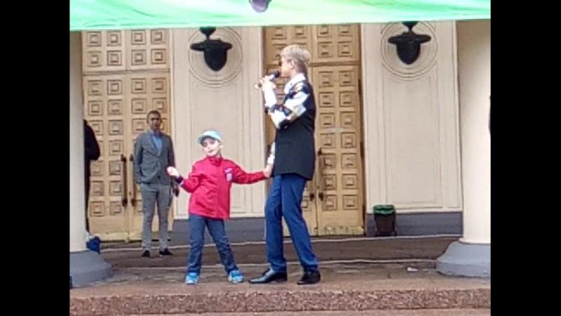 Данил Большаков с песней Поздравляем большое спасибо тебе Данил за такой классный и весёлый день ну и я увидела Сёму которо