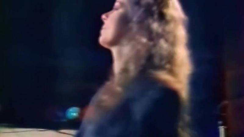 Sandra Stop For A Minute Live@ Fete Comme Chez Vous TV Show 1988 France