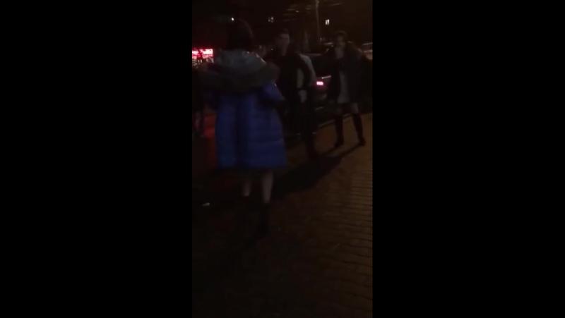 Это Таганрог Голая девушка танцует в новый год на улице
