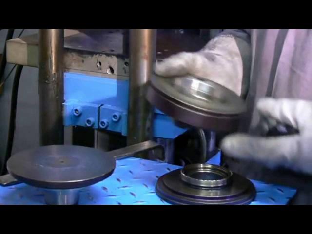 Формование деталей из резины методом прессования