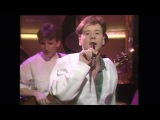 Simple Minds - Up On The Catwalk (Top Of The Pops, 29th March 1984)