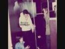 Arctic Monkeys - Dangerous Animals - Humbug