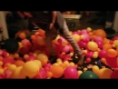Balloon popping party