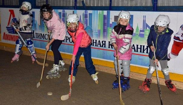 В хоккей играют усть-илимские девчонки