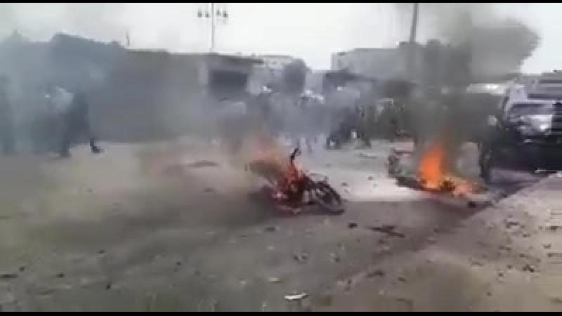 Смертник прорвался через контролируемый повстанцами город Азаз в северной Сирии, убив по меньшей мере 6 человек