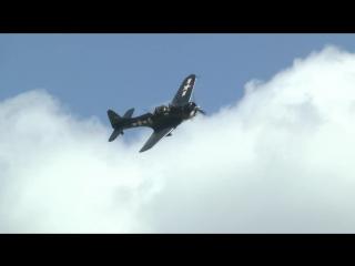 Палубный бомбардировщик douglas sbd dauntless на world war ii weekend. 2012 год