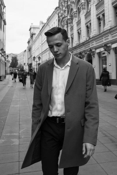 Антон Быстров