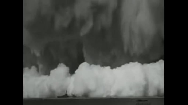 Взрыв атомной бомбы под водой » Freewka.com - Смотреть онлайн в хорощем качестве