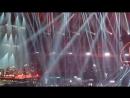 Armin van Buuren отыграл свой dj сет на De Vrienden van Amstel Live завершением которого стало вращение Armina van Buurena в
