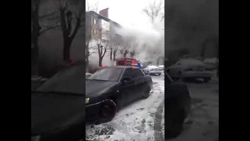 В Уфе горит автомобиль на Суворова 88 vk.com/ufa_online