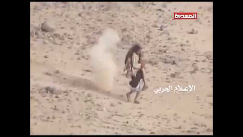 Rescue of Injured comrade by houthi hero uder fire. Спасение раненного товарища