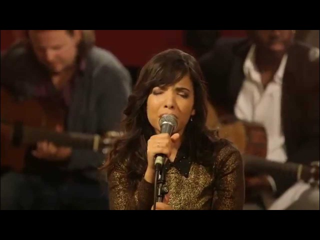 Indila - Run Run (Live - Paris)