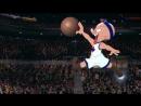 Майкл Джордан и Бакс Банни участвуют в чемпионате по баскетболу в фильме космический джем 1996 года
